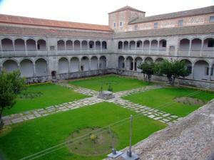 Ávila, Monasterio de Santo Tomás, Claustro de los Reyes