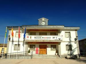 Buitrago del Lozoya, Museo Picasso en el Ayuntamiento