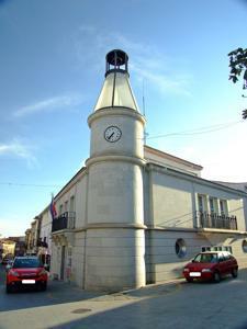 Cadalso de los Vidrios, Ayuntamiento
