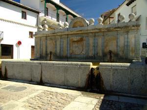 Chinchón, Fuente de la Plaza Mayor