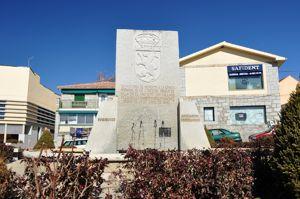 Alpedrete, Monumento a la piedra