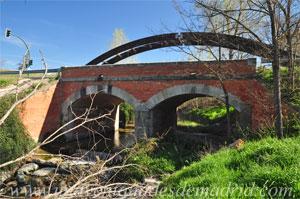 Arroyomolinos, Puente sobre el arroyo de Los Combos en la M-413