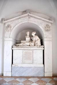 Boadilla del Monte, Sepulcro de María Luisa de Borbón, hija del Infante Don Luis y de su esposo, Joaquín Melgarejo y Ávalos, Duques de San Fernando