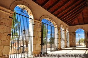 Campo Real, Pórtico de la Iglesia Parroquial de Santa María del Castillo