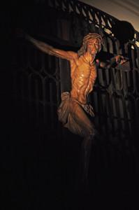 Cerro de los Ángeles, en Getafe, Basílica del Sagrado Corazón de Jesús, Crucifijo de la Basílica del Sagrado Corazón de Jesús