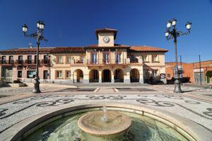 Griñón, Ayuntamiento y plaza