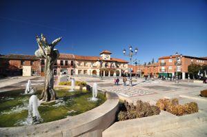 Plaza Mayor y Ayuntamiento de Griñón