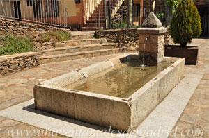La Hiruela, Fuente y pilón