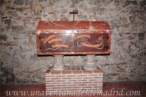 Monasterio y Santuario de Santa María de la Cruz y la Santa Juana, Arca con los restos de fray Pedro de Santiago