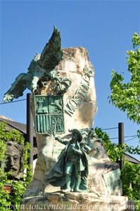 Móstoles, Detalle del Monumento a Andrés Torrejón