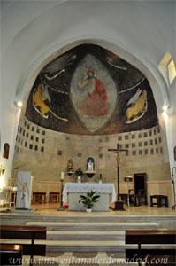 Valdelaguna, Pinturas del siglo XV, descubiertas durante la última reforma, en la cabecera de la iglesia