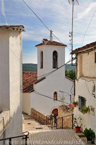 Valdelaguna, Iglesia parroquial de Nuestra Señora de la Asunción vista desde la subida a la Casa del Cura