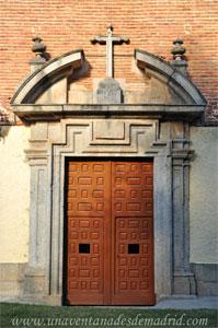 Villa del Prado, Portada principal de la Ermita de Nuestra Señora de la Poveda