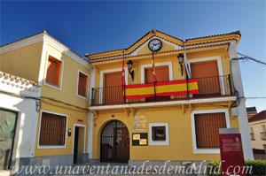 Villamantilla, Fachada principal del Ayuntamiento