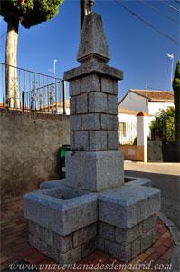Villamantilla, Fuente de piedra situada junto a la Iglesia de San Miguel Arcángel
