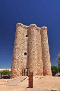 Villarejo de Salvan�s, Acceso por la fachada Oeste del Castillo