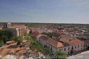 Villarejo de Salvan�s, Iglesia de San Andr�s y Casa de la Tercia desde lo alto del Castillo