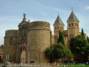 Carlos I, Puerta de Bisagra en Toledo