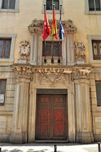 Madrid, Carlos II, Portada principal del Instituto de San Isidro