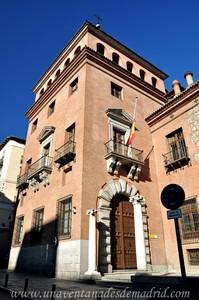 Madrid, Felipe II, Entrada principal de la Casa de las Siete Chimeneas