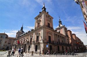 Madrid, Felipe IV, Vértice Nordeste de la Casa de la Villa con la Casa de Cisneros