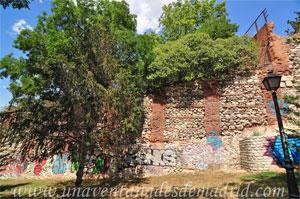 Madrid, Felipe IV, Restos de la Cerca de Felipe IV conservados en la Cornisa de las Vistillas