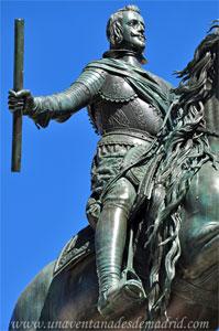 Madrid, Detalle de Felipe IV en su estatua ecuestre de la Plaza de Oriente