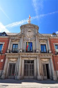 Madrid, Felipe IV, Portada del Palacio de Santa Cruz