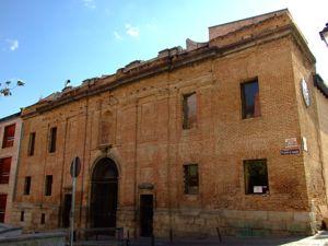 Madrid, Escuelas Pías de San Fernando, fachada principal
