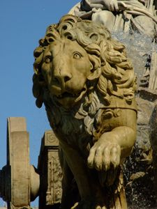 Madrid, Fuente de la Cibeles, león