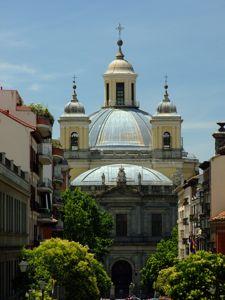 Madrid, Basílica de San Francisco el Grande, foto realizada desde lo alto de la Calle Carrera de San Francisco