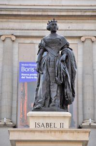 Madrid, Estatua de Isabel II