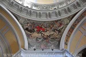 """Madrid, Pechina en la que está representado el Evangelista San Juan de la Iglesia del Monasterio de las Mercedarias Descalzas """"las Góngoras"""""""