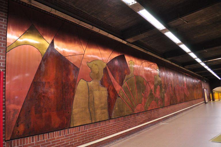En el anden del metro - 2 3