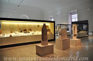 Museo Arqueológico Nacional, Estelas y lápida de piedra al inicio de la Sala 10