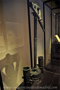 Museo Arqueológico Nacional, Bomba hidráulica de bronce datada en el siglo I y hallada en las minas de Sotiel-Coronada, en Calañas (Huelva)