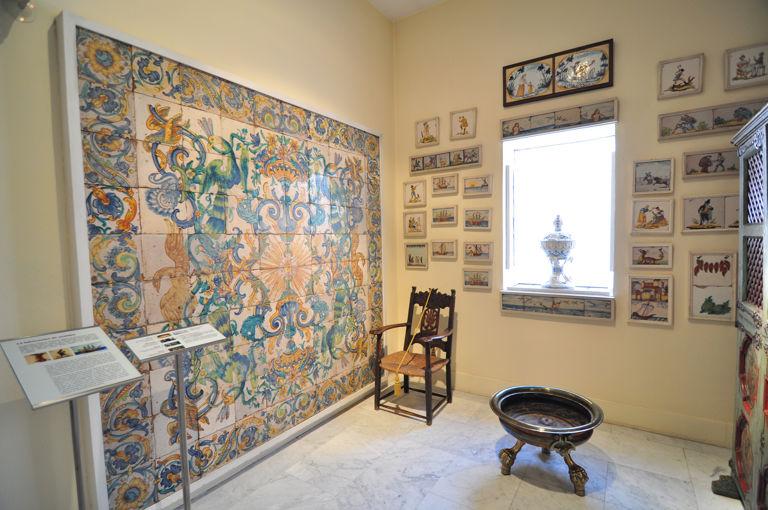 Museo nacional de artes decorativas y ii for Azulejo para pared de sala