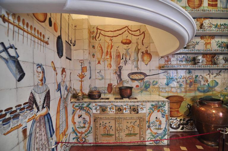 Museo nacional de artes decorativas y ii - La casa de las cocinas sevilla ...