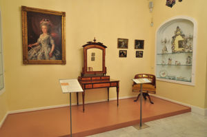Museo Nacional de Artes Decorativas, El gabinete. Porcelanas centroeuropeas, otra vista