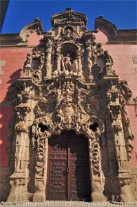 Museo de Historia de Madrid, Portada del antiguo Real Hospicio del Ave María y Santo Rey don Fernando