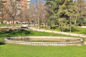 Parque de Berlín, fuente ovalada