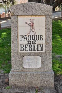 Parque de Berlín, monolito