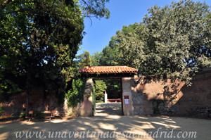 Quinta de la Fuente del Berro, Entrada de la Calle de los Peñascales