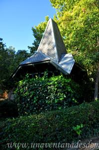 Quinta de la Fuente del Berro, Quiosco situado junto a la entrada de la Calle de los Peñascales