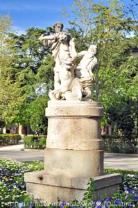 Campo Grande en El Retiro, Estatua de Hércules y la Hidra de Lerna