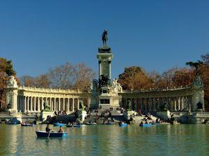 Retiro, Monumento a Alfonso XII