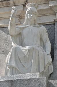 Fuente de Cuba, Estatua de la Reina Isabel la Católica