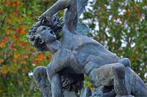 Parque del Retiro, El Ángel Caído