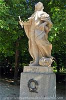 Parque del Retiro, Paseo de las Estatuas