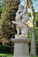 Parque del Retiro, Estatua de Hércules y el León de Nemea